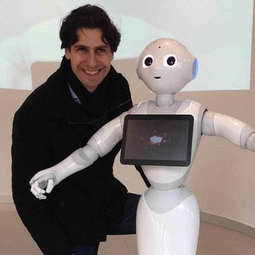 Randall van Poelvoorde, robots in de zorg