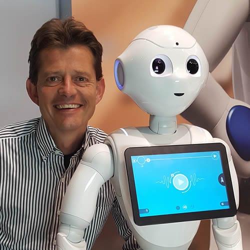 Tom Ederveen, expert robots in de zorg