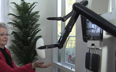Zorgrobot Rose voor ouderen