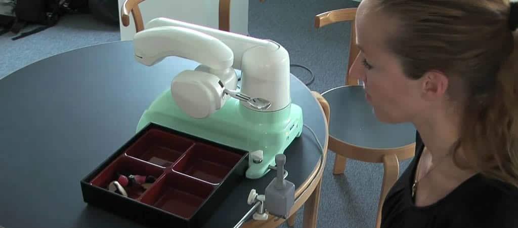 Robotarm My Spoon helpt bij eten