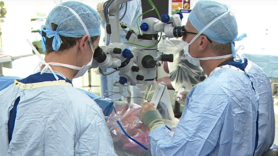 Oogchirurgie robot: De R2D2