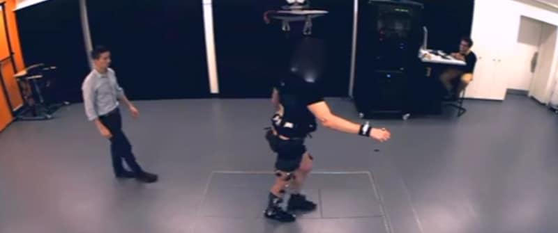 Opnieuw leren lopen met een robotharnas