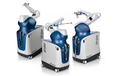 Heup- en knieprotheses met gebruik van ondersteunende robotarm technologie