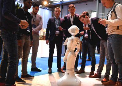 Innovatie pop-up zorg, Kennismaken met een robot