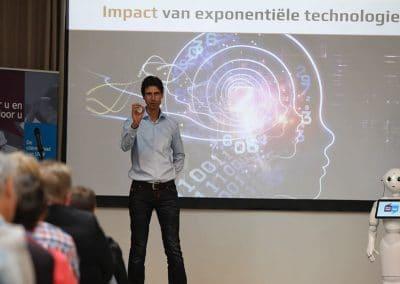 Keynote-spreker-impact-robots-en-exponentiele-technologie-in de zorg