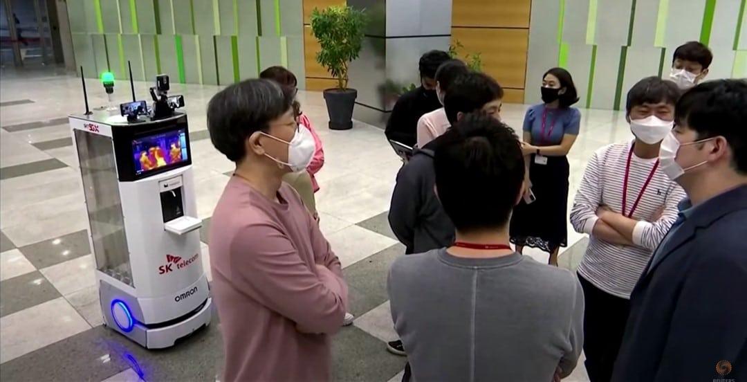 Multifunctionele robot helpt bij het voorkomen van het corona virus